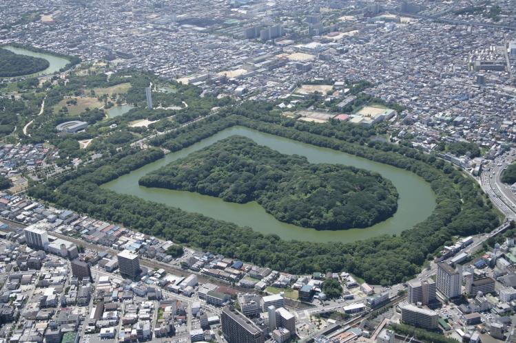 堺市 仁徳陵古墳 市の面積 149.99平方キロメートル 市の人口 838,... 南大阪地場産